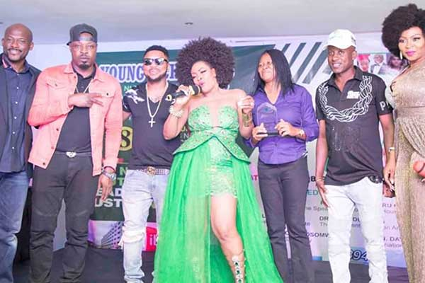 HOW LAGOS STOOD STILL AT THE 8TH YOUNG ACHIEVERS NIGERIA AWARDS NITE