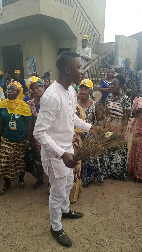 Ogun Councilorship Aspirant, Hon. Balogun Olasupo  declare intention to run, Donates Public Address System To Ward